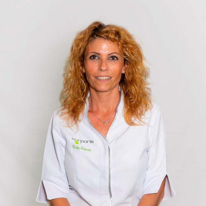 Vicky - Recepcionista -Corporis